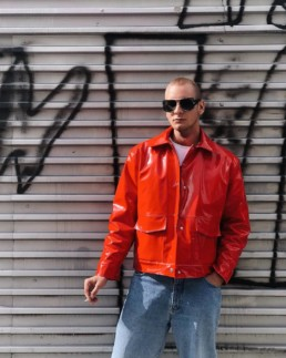 Ivan kašša vinyl pvc red jacket influencer Streetstyle streetwear upcycling fashion label brand local designer Berlin