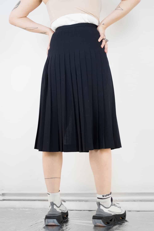Pleated Wool Slit Skirt 4