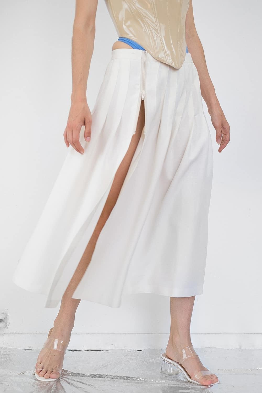 Pleated Slit Skirt 3
